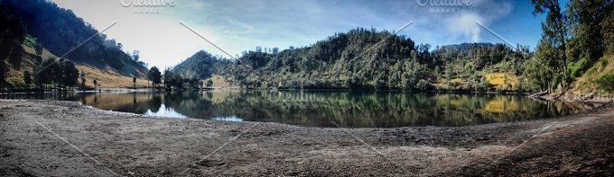 Ranu Kumbolo Lake.jpg - Nature