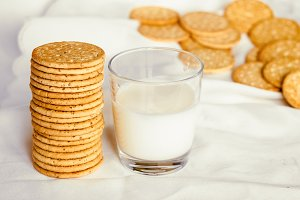 Biscuits with bran for a beautiful figure and a glass of milk