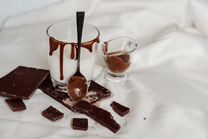 Fresh dessert for energy from milk and milk chocolate