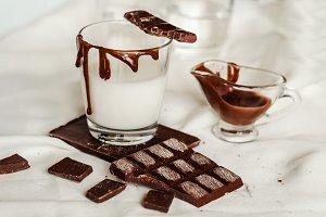 Chocolate dessert and milk