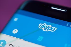 Chat on skype