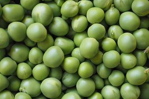 peas legumes vegetables background