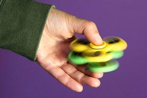 fidget spinners rolling