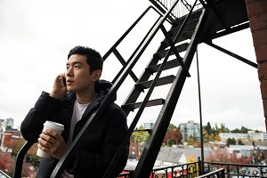 Man using mobilephone