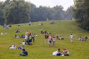People have a rest Kolomenskoe park