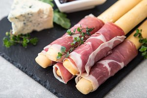 Appetizer with prosciutto