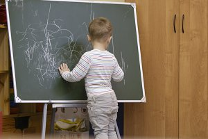 kid drawing chalkboard kindergarten
