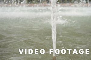 Water drops in fountain - slowmotion 180 fps
