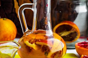 alcoholic beverage with citrus juice