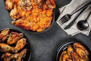Jollof rice with chicken, plantains