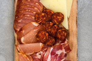 Spanish cold cuts (embutidos)