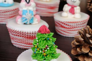 Sugar figurine Christmas tree