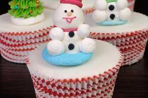 Sugar snowman figure