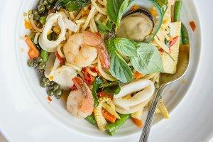 Spaghetti Seafood thai food style