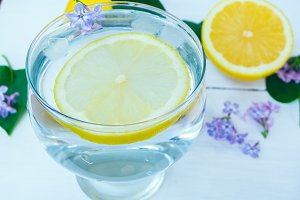 Lemonade water with lemon sliced