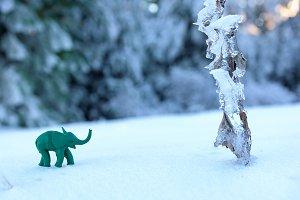 Plasticine green elephant anventure