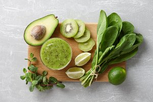 Healthy green smoothie ingredients