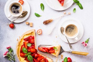 Flat lay with strawberry cheesecake