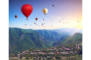 mountains and air balloons