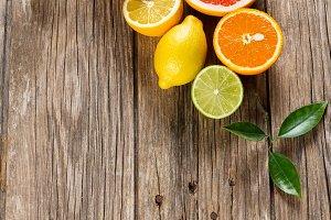 Collection of citrus fruits.