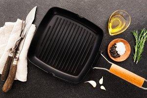 iron empty grill pan