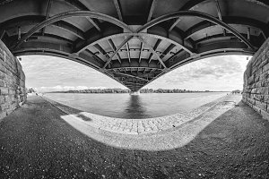 Underbridge (black & white)