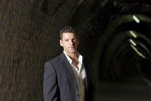 Elegant in tunnel