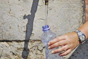 getting water in a bottle