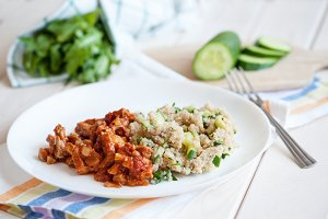 roast beef with quinoa and with greens