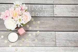 Wood Background, pink flowers