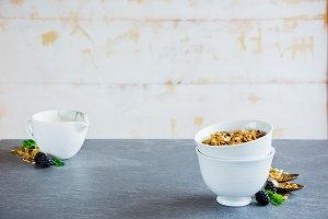 Breakfast set with granola