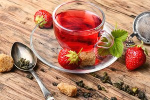Summer strawberry tea