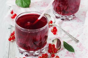 fresh red currant drink