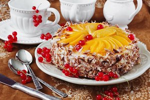 cake with apricots and red currant