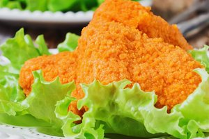 breaded chicken fillet with lettuce