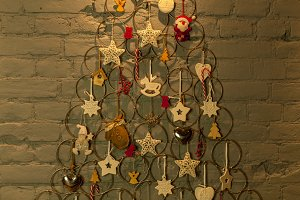new-year tree from metallic rings and toys