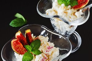 curd dessert with sliced fruit