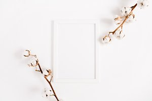 Photo frame with cotton branches