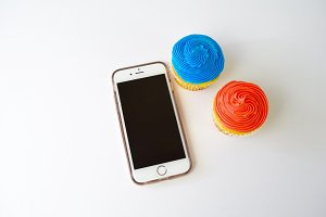 iPhone + Cupcakes