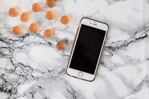 Rosette Gummies + iPhone