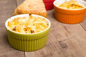 Bright bowls of baked macaroni and cheese