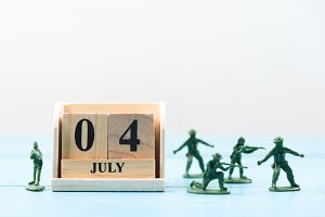 4 july and soldier toys