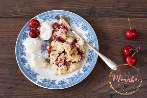 Cherry crumble dessert