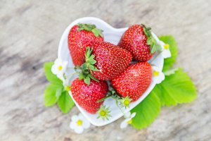 Top view aroma strawberry heart shape plate