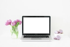 Tulips + Macbook Pro Mockup