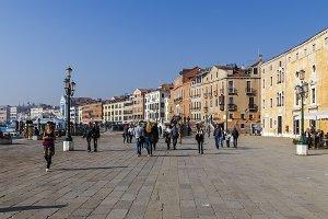 promenade in Venice