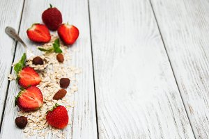 Muesli and strawberries