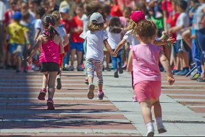 little girls in a race
