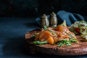 Smoked salmon with cucumber salad