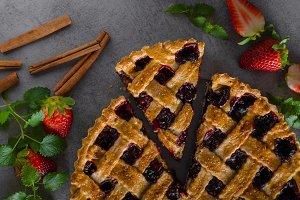 Rustic tart with berries